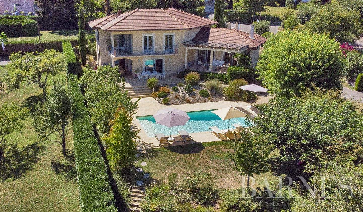 House with pool and terrace Annecy