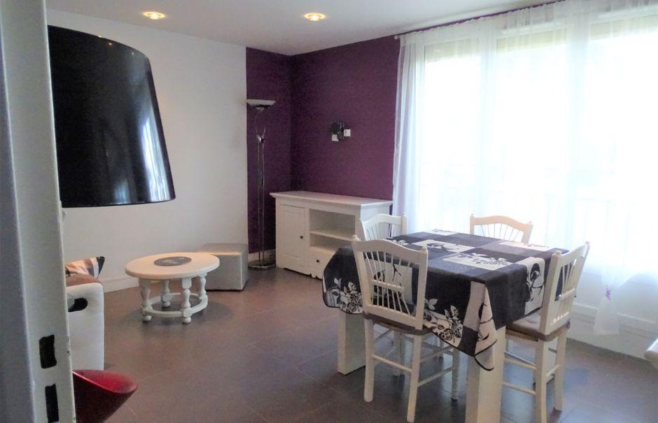 Location  appartement 3 pièces 55.87 m² à Chilly-Mazarin (91380), 980 €