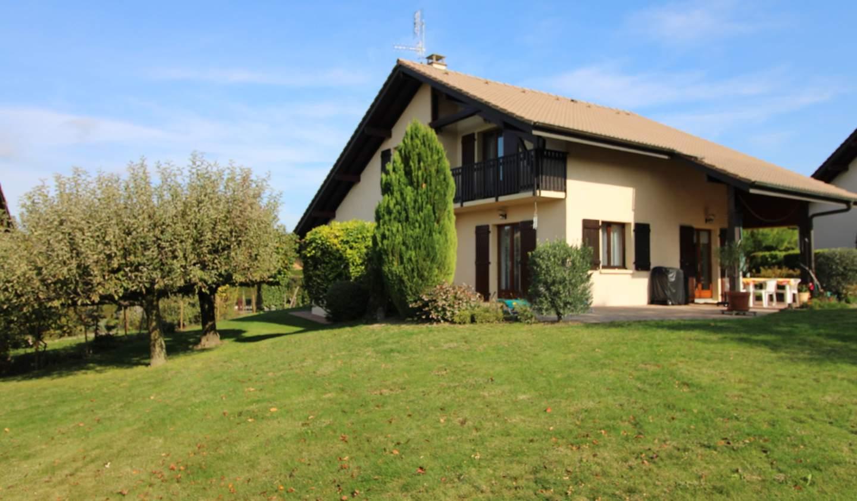 House with terrace Douvaine