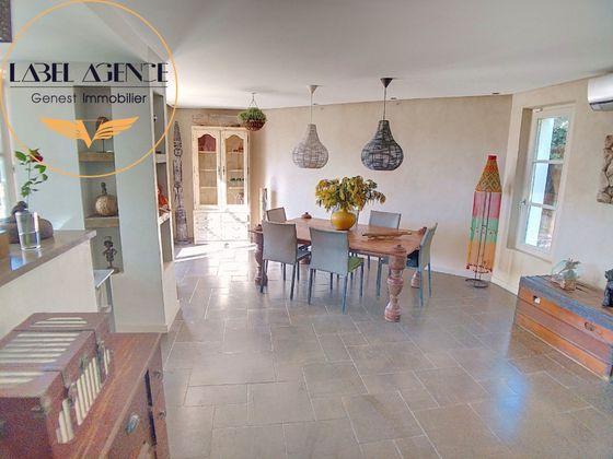 Vente villa 6 pièces 240 m2