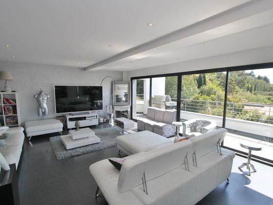 Vente propriété 8 pièces 358 m2