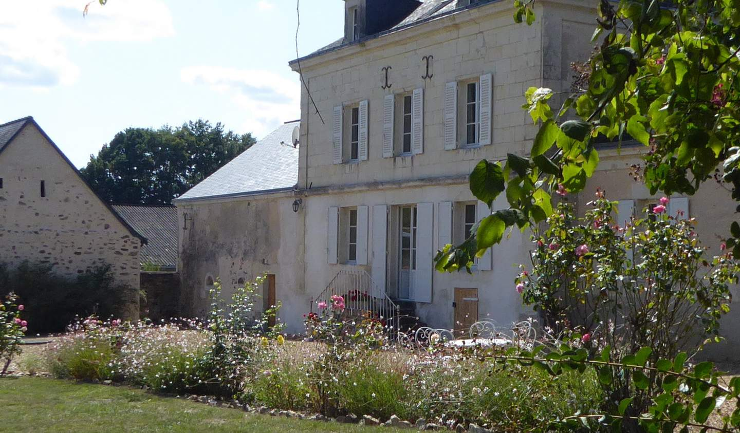 Property with pool and garden Maine-et-Loire