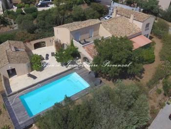 Villa 6 pièces 260 m2
