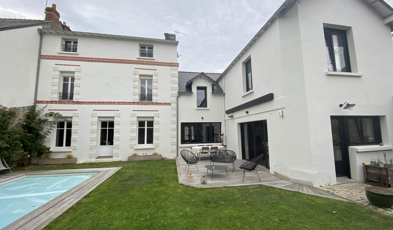 Maison avec piscine et terrasse Nantes