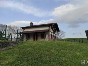 maison à Sare (64)