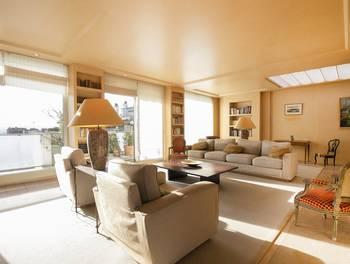 Appartement meublé 3 pièces 236 m2