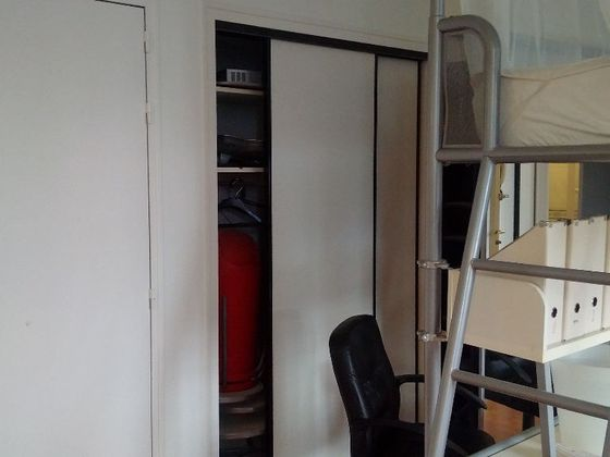 Location studio meublé 28,26 m2