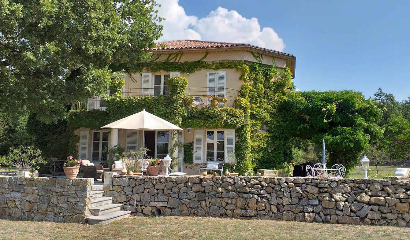 Villa avec piscine Tourrettes