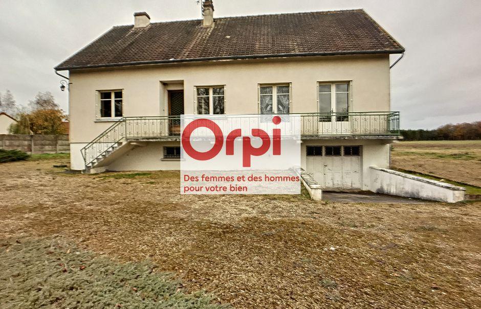 Vente maison 6 pièces 122.64 m² à La bussiere (45230), 157 000 €