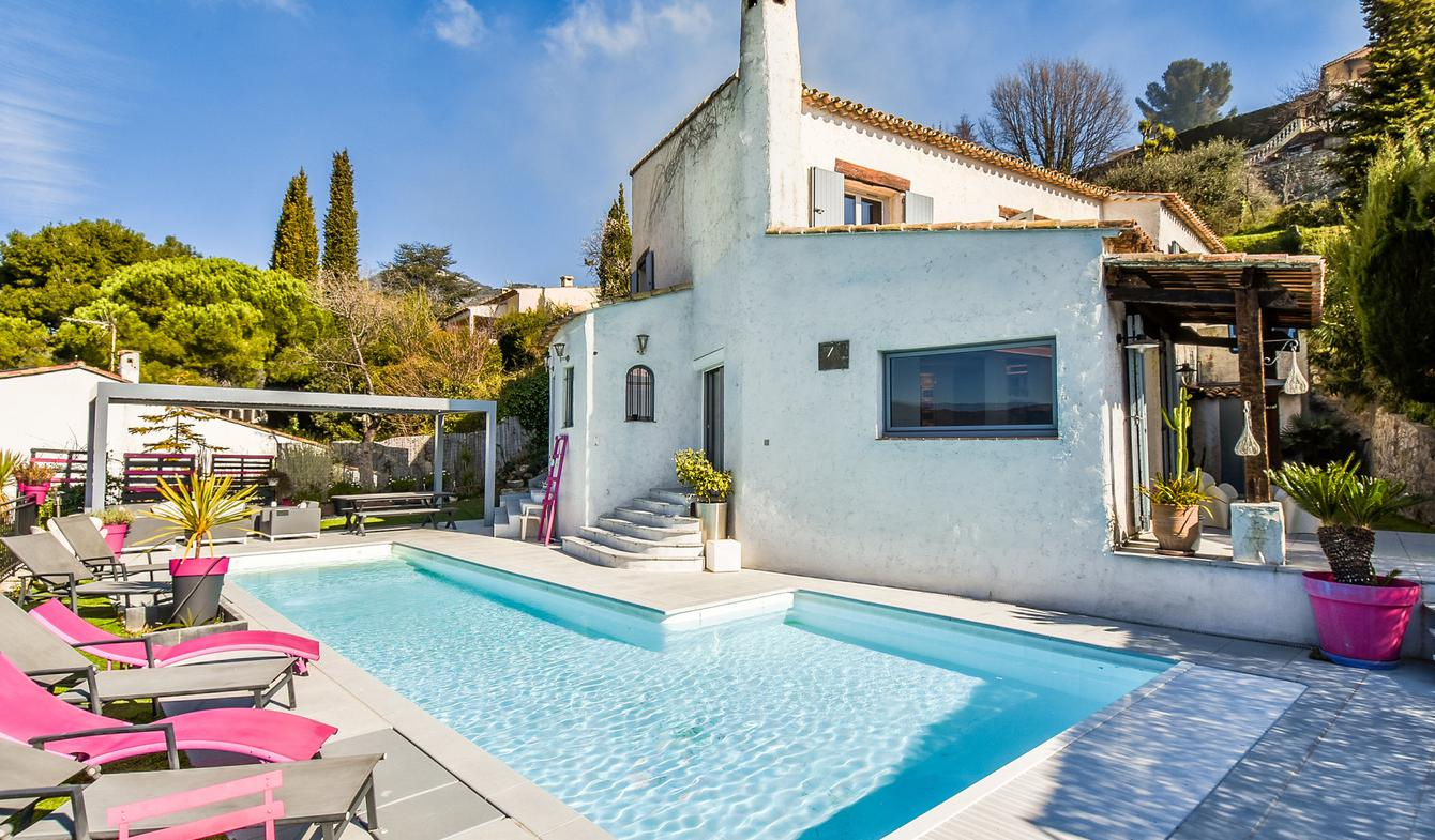 Villa with pool Aspremont