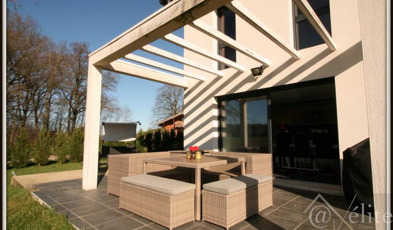 Maison avec terrasse Courtes