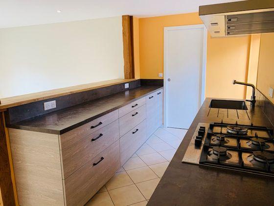 Location maison 6 pièces 235 m2