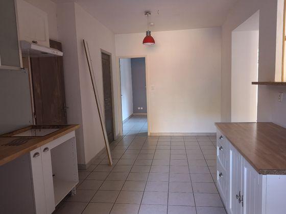 Location maison 3 pièces 75 m2
