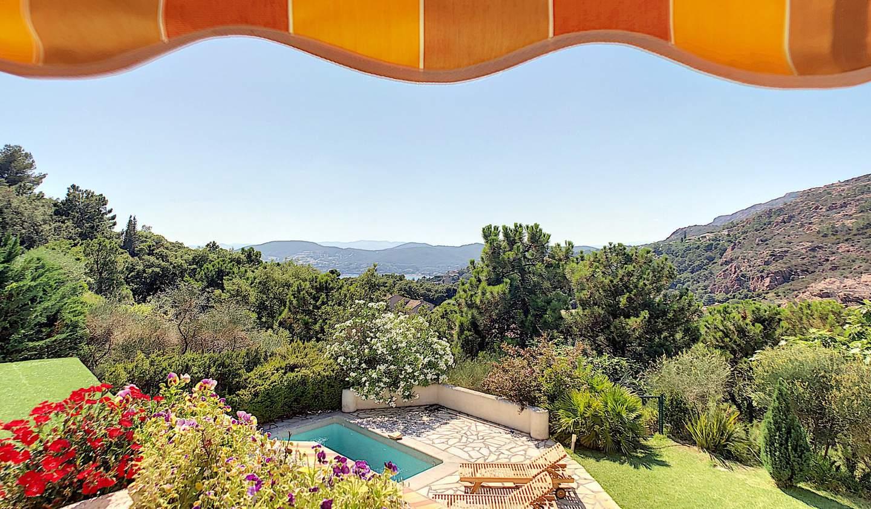 Villa with pool Saint-Raphaël
