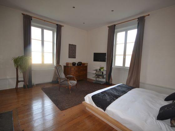 Vente propriété 10 pièces 300 m2