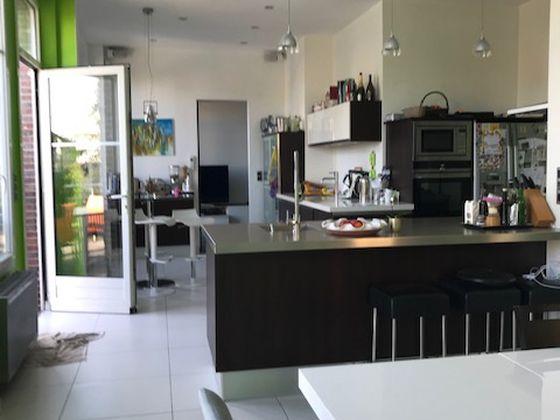 Vente propriété 8 pièces 353 m2