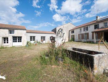 maison à Trizay (17)