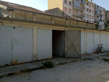 parking à Carpentras (84)