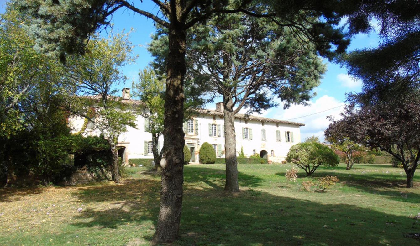 Maison avec piscine et terrasse Tauriac