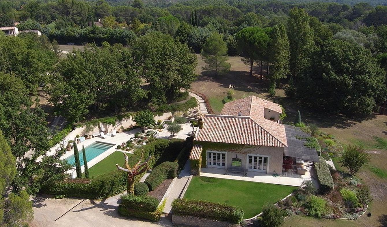 Propriété avec piscine et jardin Villecroze