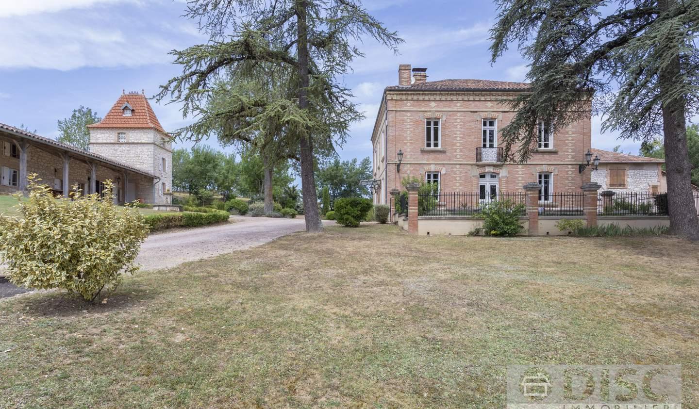 Property with pool Montalzat