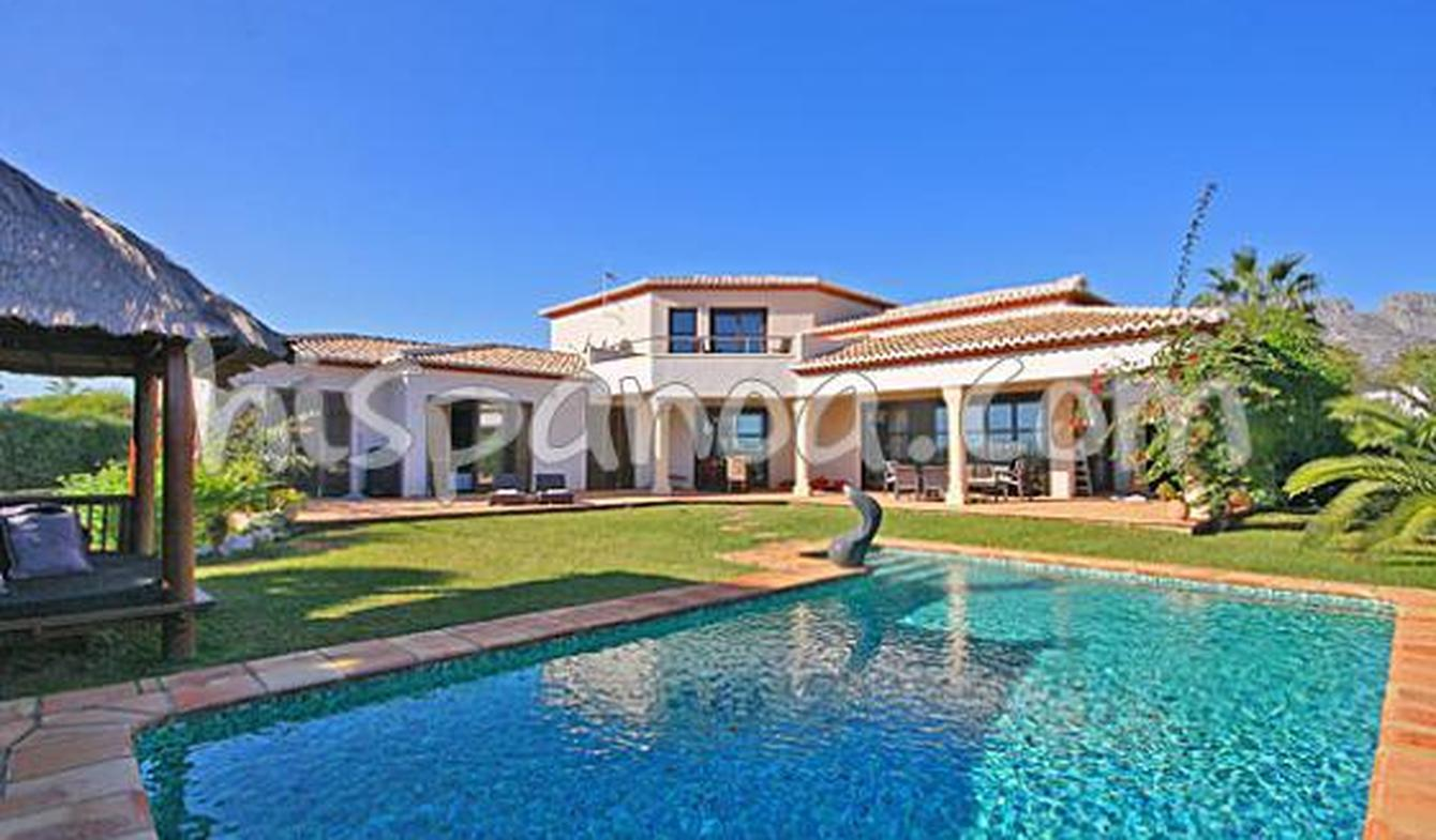 Villa with pool and terrace Dénia