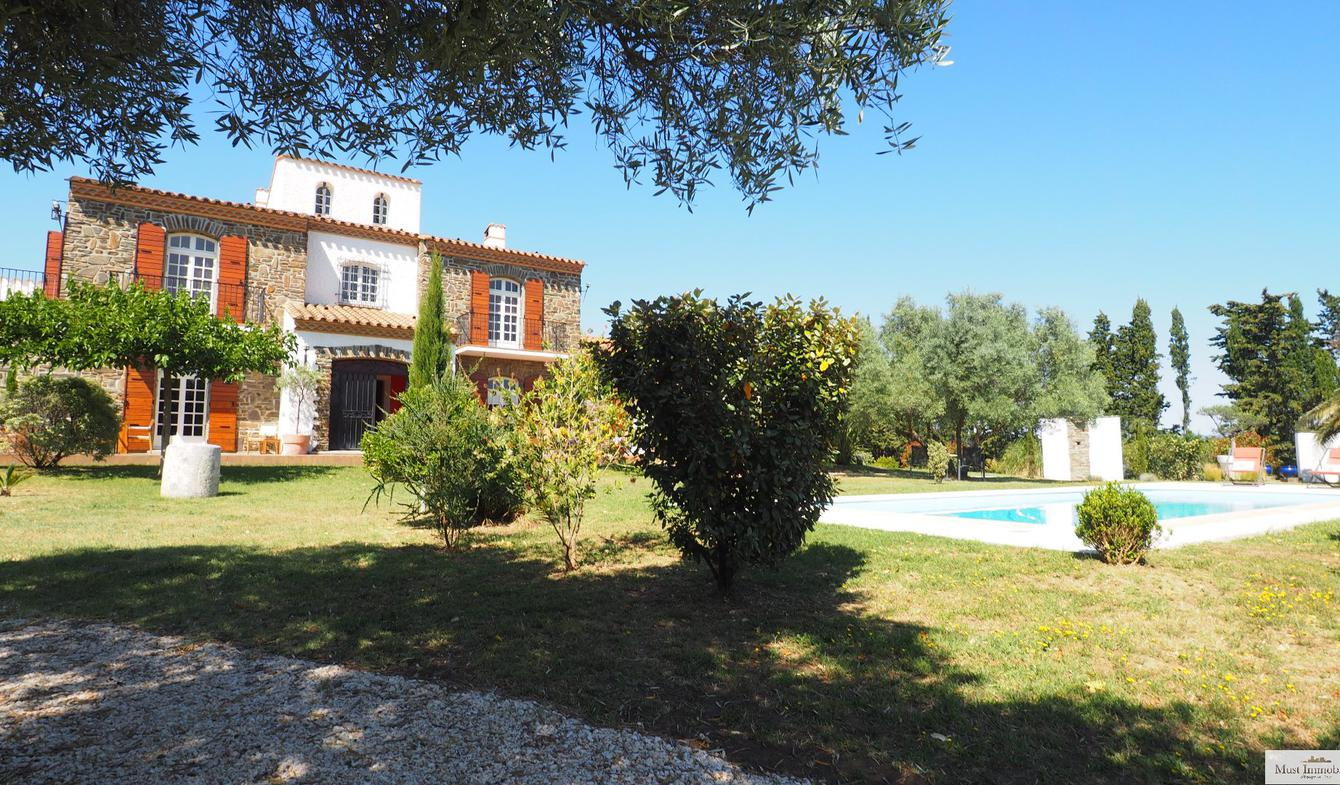 House with pool and terrace Toulouges