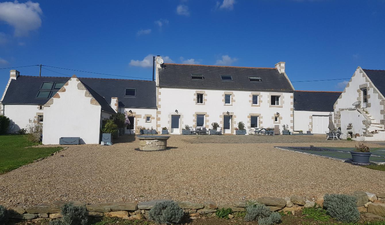 House with terrace Pouldreuzic