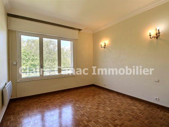 Location appartement 4 pièces 109,21 m2