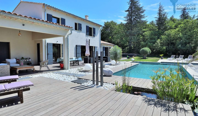 Maison avec piscine et terrasse Cabrières-d'Avignon