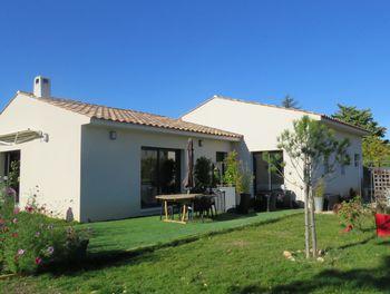 maison à Puimoisson (04)