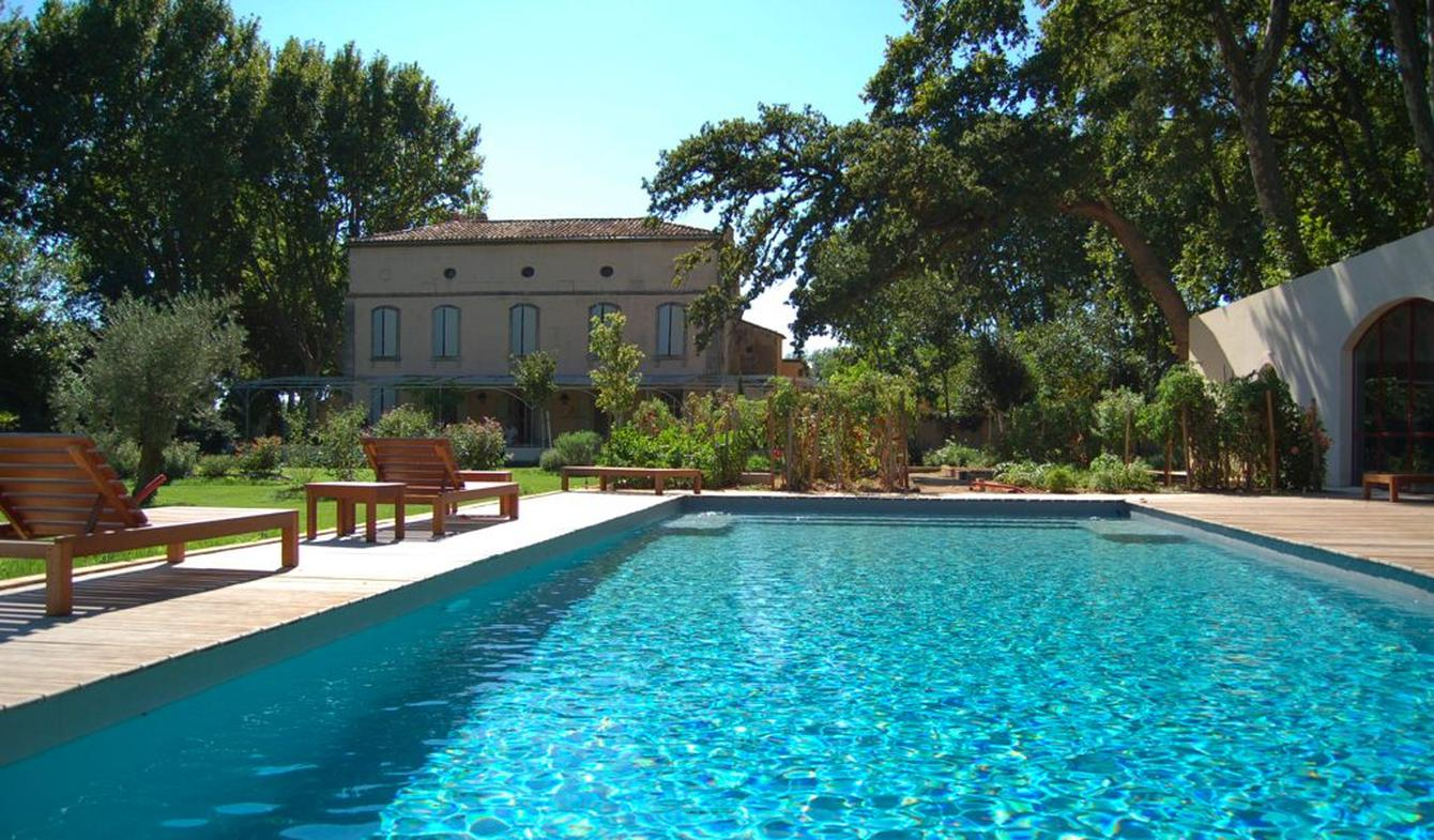 Propriété avec piscine et jardin Arles