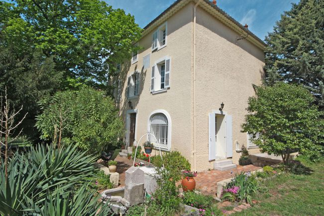 Property with Pool and Garden, Lorgues