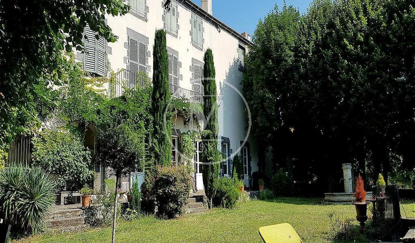 Maison avec terrasse Châteaugay