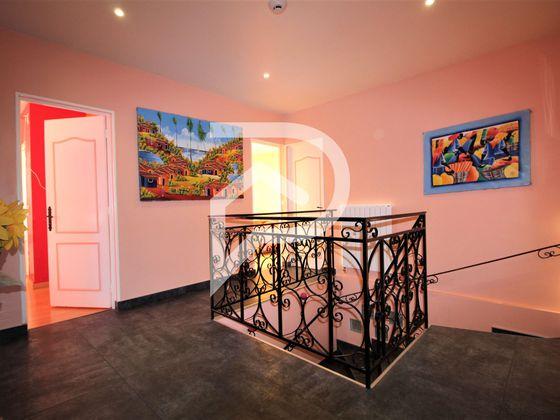 Vente maison 6 pièces 204 m2