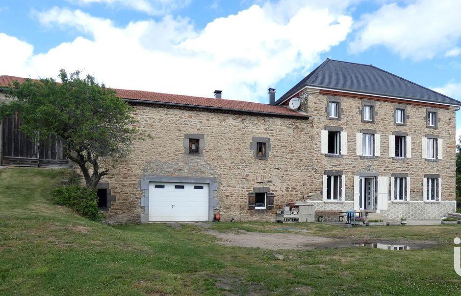 Vente maison 5 pièces 310 m² à Mercoeur (43100), 329 000 €