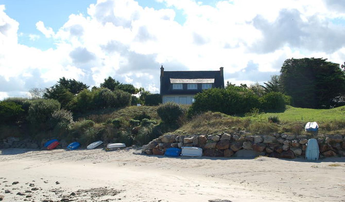 Maison en bord de mer avec jardin Santec