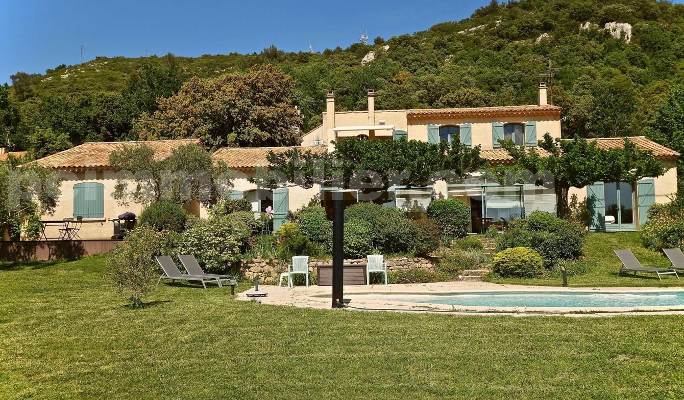 Maison avec piscine et terrasse Rians