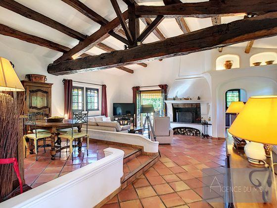 Vente villa 6 pièces 234,23 m2