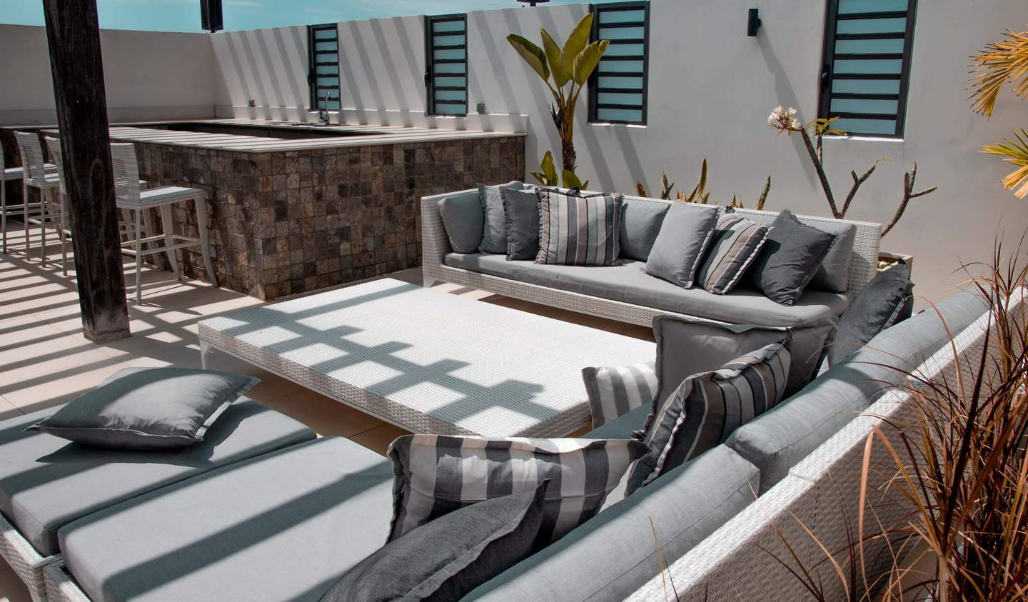 Apartment with terrace and pool Pereybere