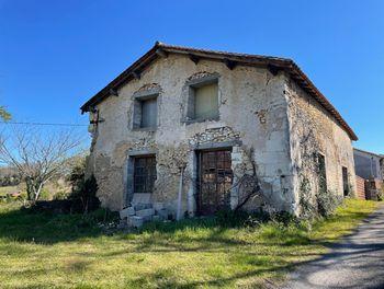 maison à Neuvic (24)