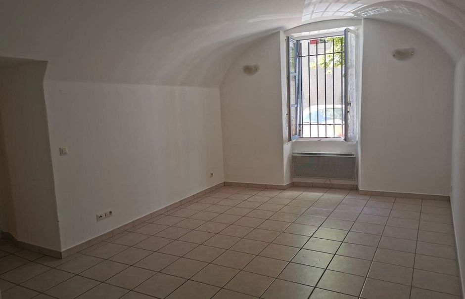 Location  studio 1 pièce 29.63 m² à Rochefort-du-Gard (30650), 436 €