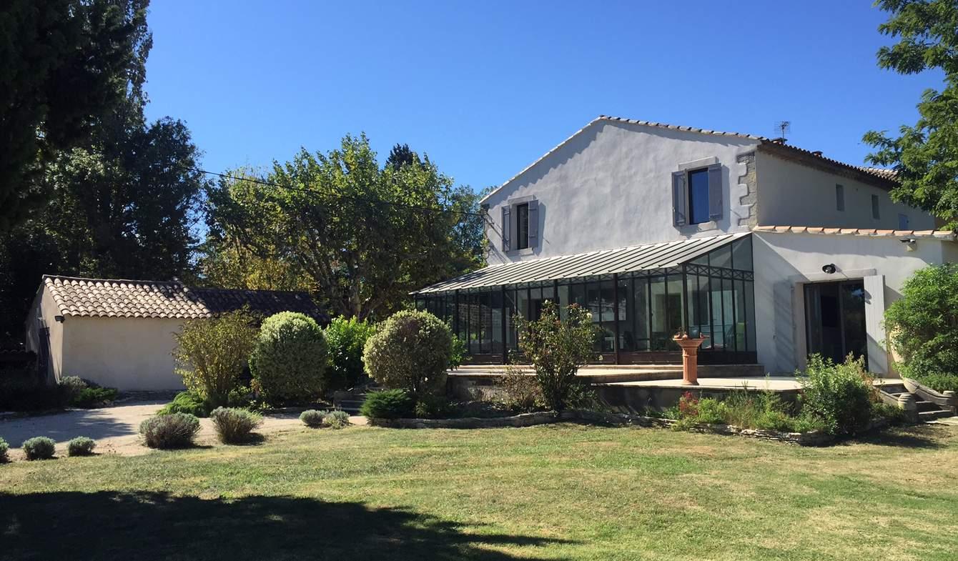 Propriété avec piscine et jardin Avignon