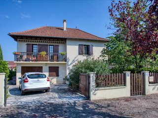 Maison Saint-Pantaléon-de-Larche (19600)
