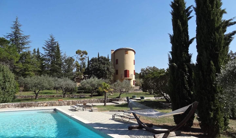 Propriété avec piscine et jardin Cotignac