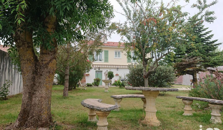 Maison avec terrasse Loix