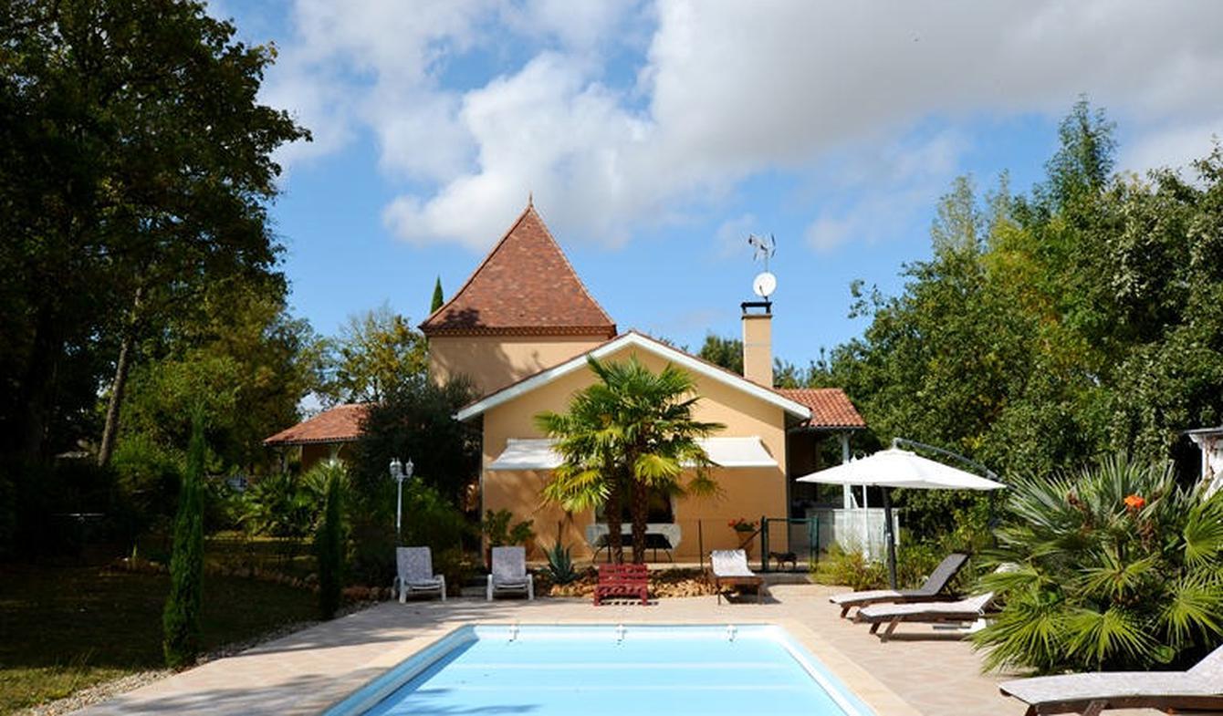 Villa avec piscine et terrasse Castéra-Verduzan