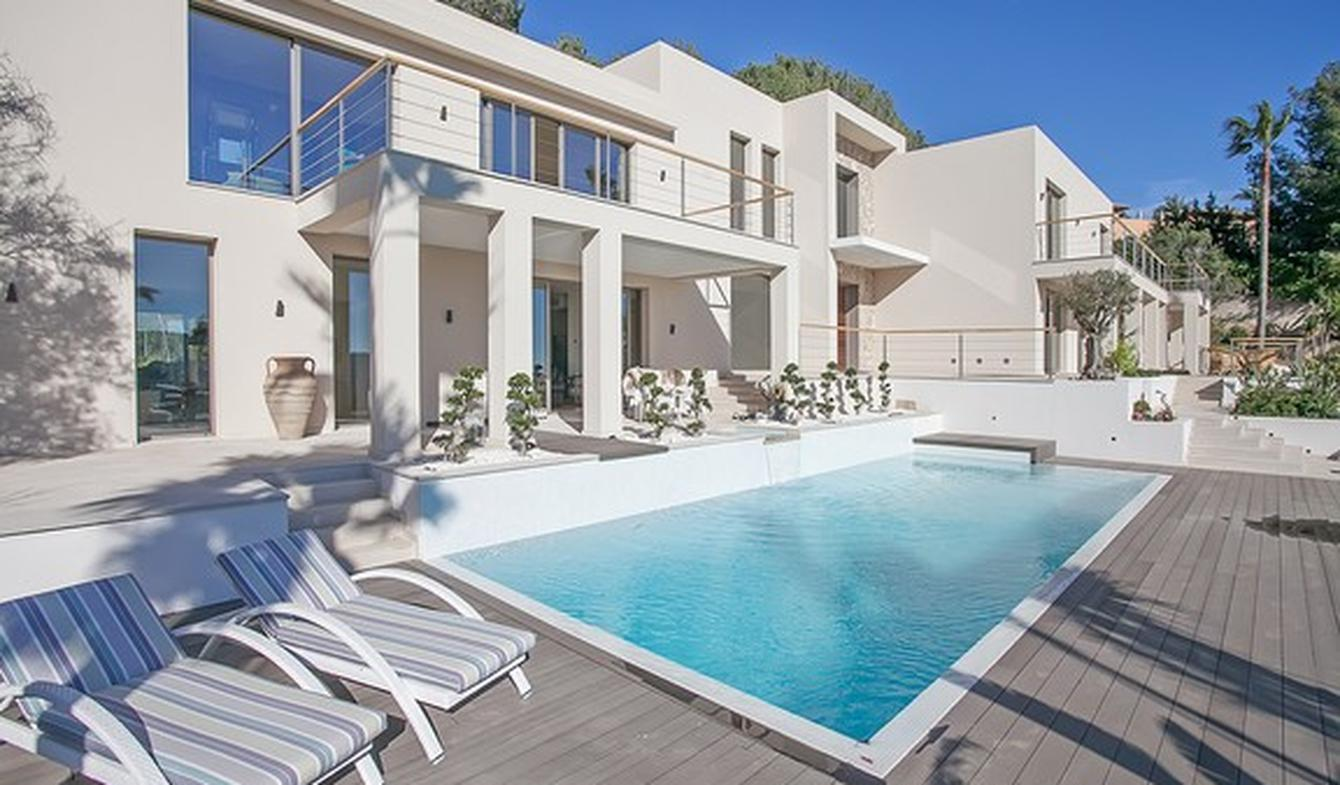 Villa with pool and garden Palma