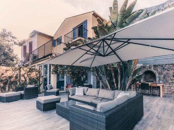 Location maison meublée 4 pièces 165 m2