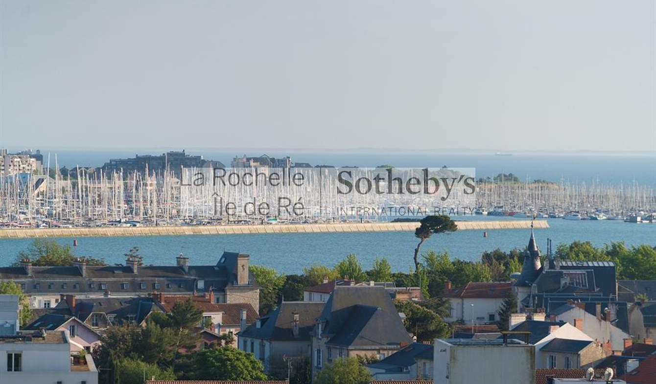 Appartement avec terrasse en bord de mer La Rochelle